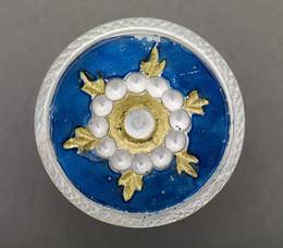 1953F242 Pearl Button