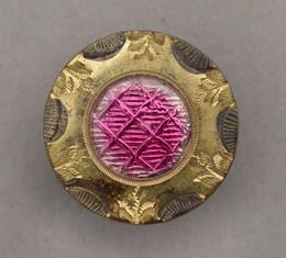 1953F348 Gilt button